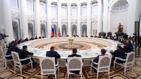 СМИ: губернаторы нескольких регионов России могут уйти в отставку