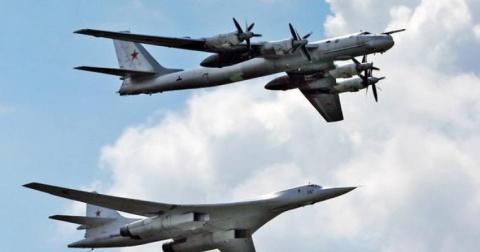 Российские самолеты в Хамада…