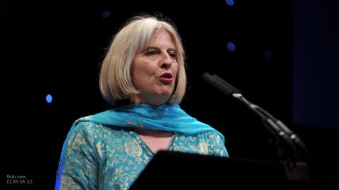 Тереза Мэй заявила о необходимости обновления ядерного потенциала Британии