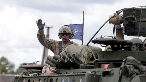 В Литву сегодня прибудет крупная партия НАТОвской техники
