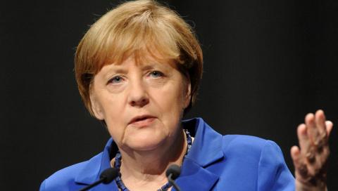 Меркель считает, что диалог с РФ необходимо продолжать