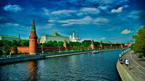 Почему американская элита ненавидит Россию