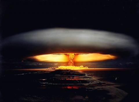 Пришельцы против атомных войн
