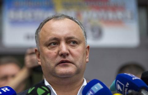 Путин пригласил нового президента Молдавии в Россию