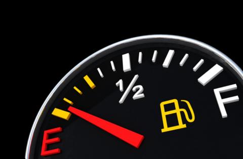 Как езда с опустевшим бензобаком может навредить вашему автомобилю
