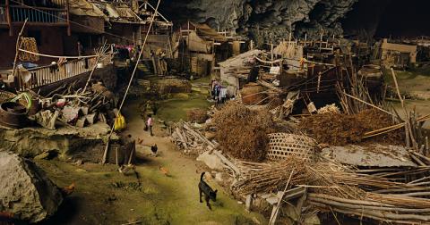Жилая пещера в Китае, у которой когда-то была собственная школа