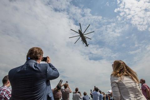 """""""Газпромбанк"""" будет продвигать российские вертолеты"""