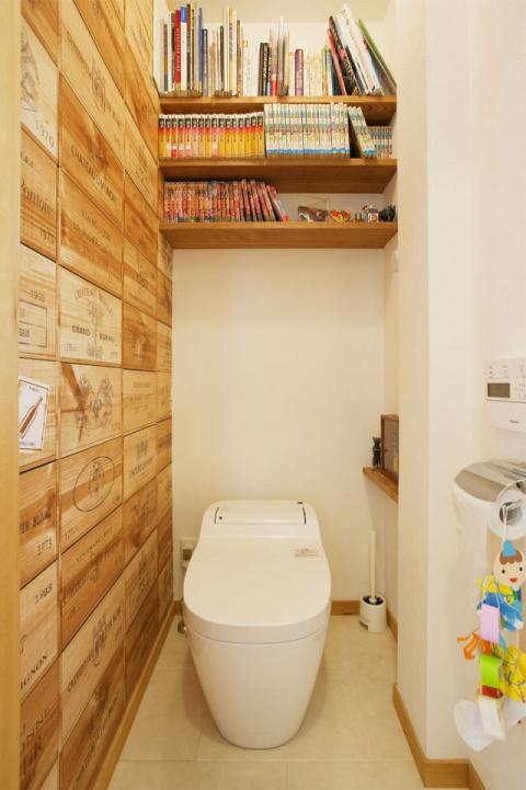 Даже небольшая туалетная комната должна быть уютной и функциональной