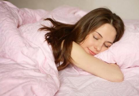 Почему спать в холоде полезн…