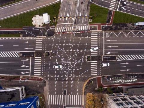Этот румынский перекрёсток сбил с толку не один десяток матёрых водителей