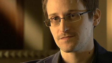 Путин: Сноудену следовало уволиться из спецслужб США и на этом остановиться