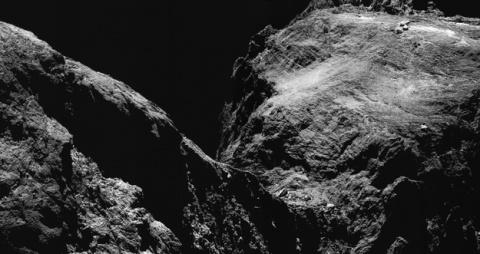 «Розетта» нашла недостающее звено в истории появления планет. Это пылевая «галька»