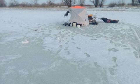 Жесть : Два рыбака сгорели на зимней рыбалке на льду (16+)