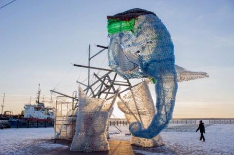 Гигантский слон из пластиков…