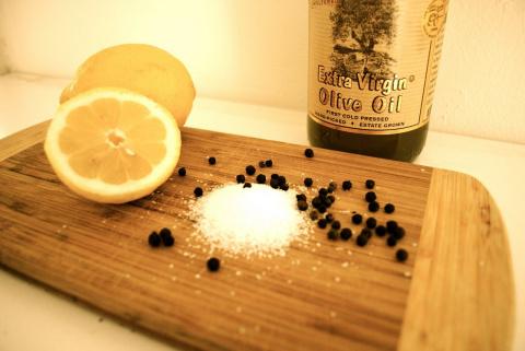 Соль, перец и лимон помогут …