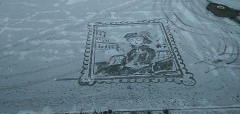 Дворник из 25 лицея Ижевска снова рисует