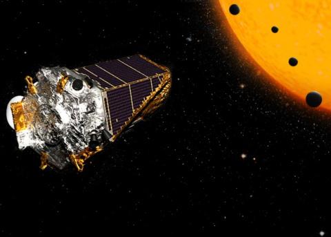 «Кеплер» нашел звезду с четы…