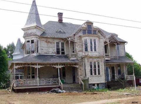 Старый заброшенный дом никог…