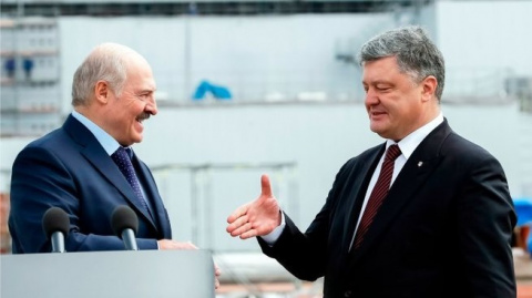 Лукашенко отобрал у Порошенк…