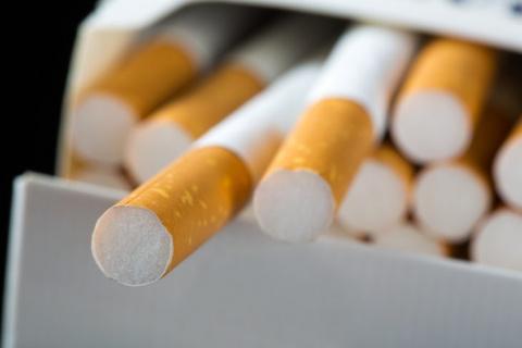 Покупал сигареты на заправке…
