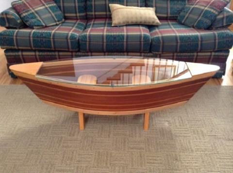 Лодка в гостиной