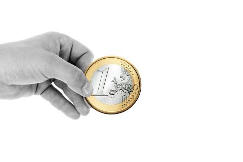 Евро упал ниже 70 рублей впе…