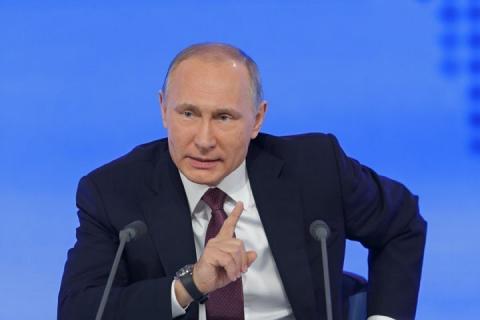 Не время отдыхать: Путин кар…