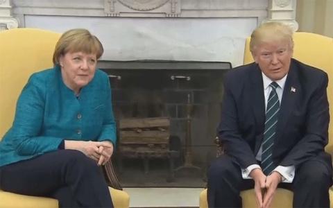 """По следам первой встречи Трампа и Меркель. Дамы """"умывают"""" кавалеров"""