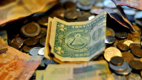 Выставить счёт за 90-е: Россия имеет право на 8 триллионов долларов от США
