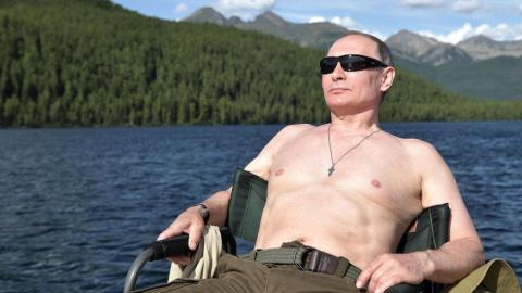 Как Путин за щукой гонялся.
