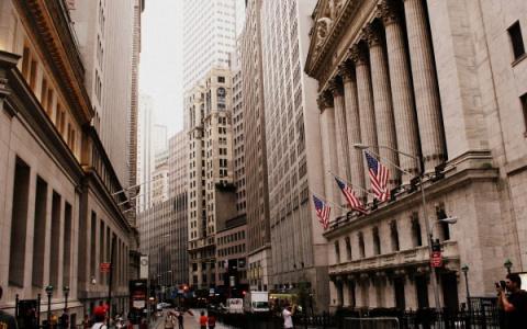 Крах инвестиций в США: Уолл-…