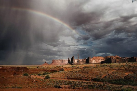 Monument Valley — красивый п…