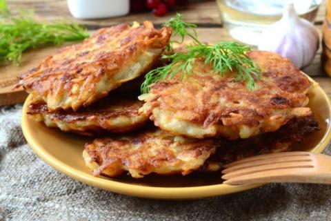 Брамбораки — чешские картофе…