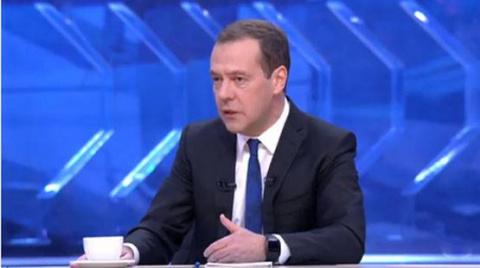 Медведев рассказал, видит лисебя президентом
