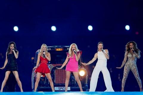 СМИ сообщили о воссоединении группы Spice Girls в следующем году