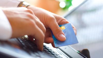 Карты, виртуальные деньги и …