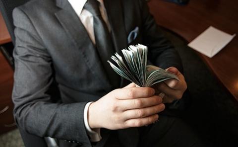 Рост зарплаты ТОП-менеджеров замедлился в десять раз