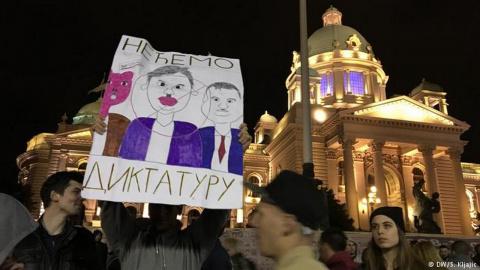 Сербия бурлит после выборов. Игорь Пшеничников