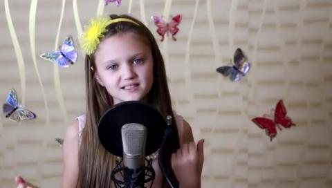 Девочка в 9 лет исполнила пе…