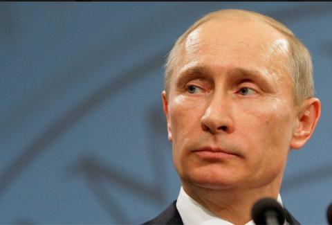 Он вообще очень крутой мужик у нас. Президент России.