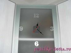Оригинальная идея. Часы в дверце кухонного шкафа