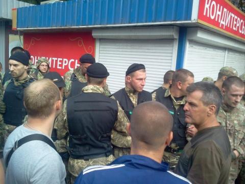 Украину разрушил не Порошенко и Яценюк, а сами украинцы