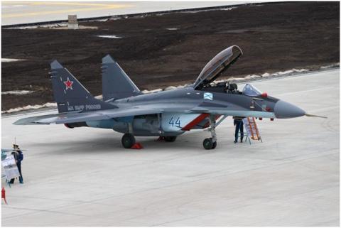 Россия до лета передаст Сербии шесть истребителей МиГ-29