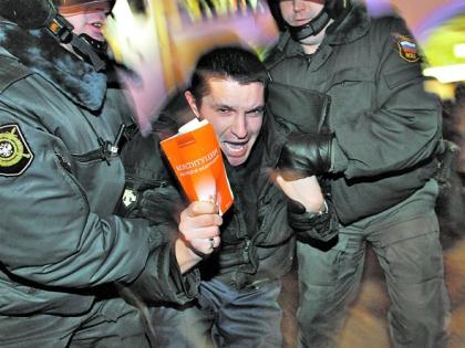 Вадим Соловьев: Власть так перепугана событиями на Украине, что доходит до абсурда