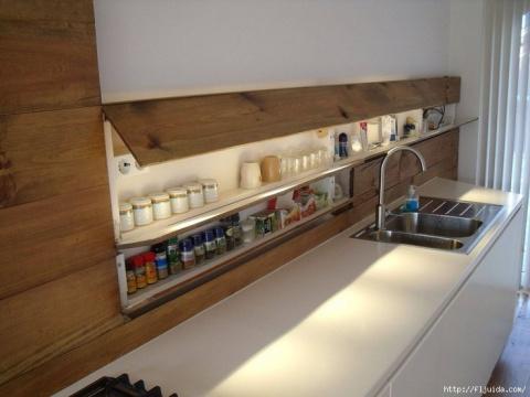 Удобные места хранения и приспособления на кухне.