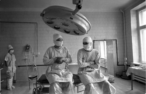 Будни нейрохирурга: унизительная зарплата и измены
