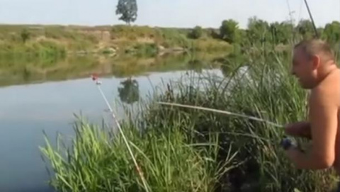 Рыбак офигел от такого улова…