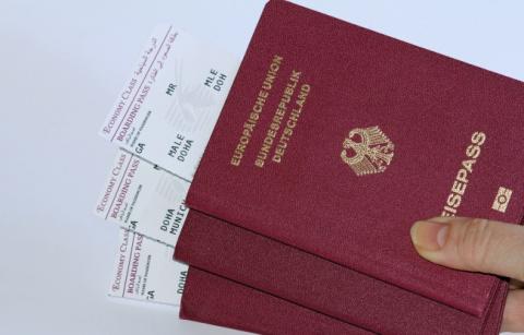 Почему паспорта мира бывают только четырех цветов