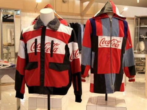 Coca-Cola не только напоит, но и оденет