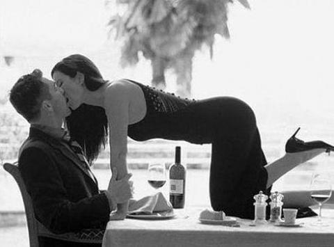 ЛУЧШАЯ любовница - это пьяная ЖЕНА.))